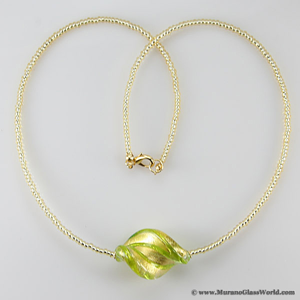 Royal Green Spiral necklace - 1 bead